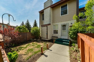 Main Photo: 17115 109 Street in Edmonton: Zone 27 Townhouse for sale : MLS(r) # E4067060