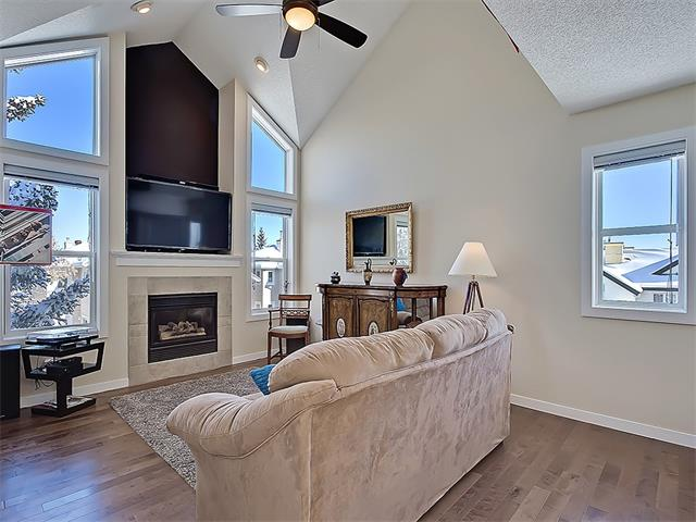 Main Photo: 203 438 31 Avenue NW in Calgary: Mount Pleasant House for sale : MLS(r) # C4119240