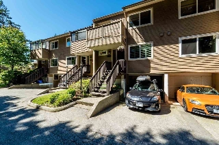 "Main Photo: 4743 HOSKINS Road in North Vancouver: Lynn Valley Townhouse for sale in ""YORKWOOD HILLS"" : MLS(r) # R2182257"