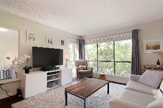 "Main Photo: 410 2920 ASH Street in Vancouver: Fairview VW Condo for sale in ""Ash Court"" (Vancouver West)  : MLS(r) # R2191803"