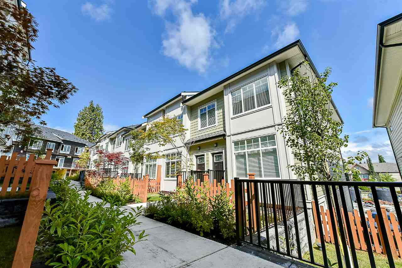 "Main Photo: 91 13670 62 Avenue in Surrey: Sullivan Station Townhouse for sale in ""Panorama 62"" : MLS® # R2195868"