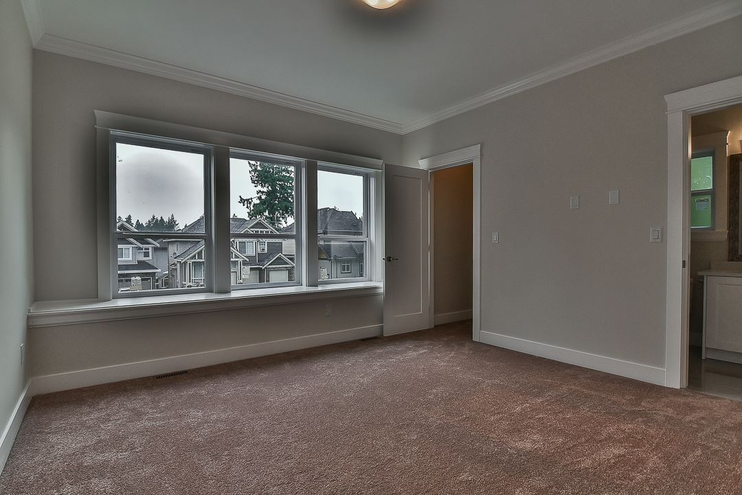 Photo 10: 5938 129B Street in Surrey: Panorama Ridge House for sale : MLS® # R2203769