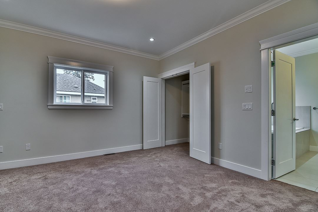 Photo 12: 5938 129B Street in Surrey: Panorama Ridge House for sale : MLS® # R2203769