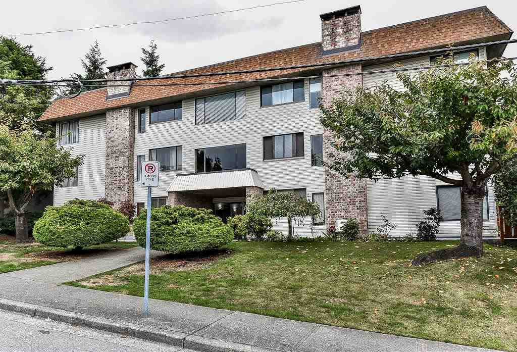 "Main Photo: 201 1410 BLACKWOOD Street: White Rock Condo for sale in ""CHELSEA HOUSE"" (South Surrey White Rock)  : MLS® # R2212718"