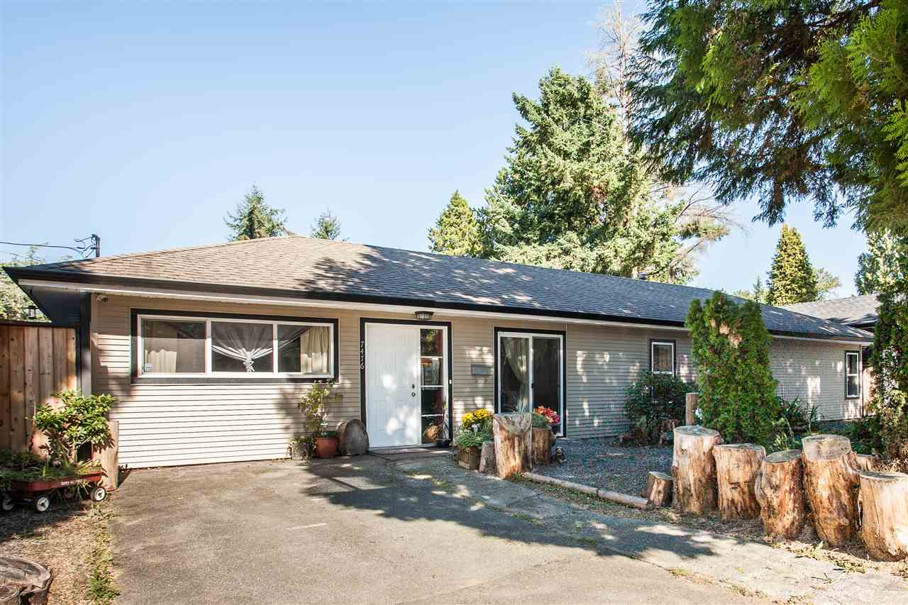 Main Photo: 7476 MARTIN Place in Mission: Mission BC House for sale : MLS® # R2213644