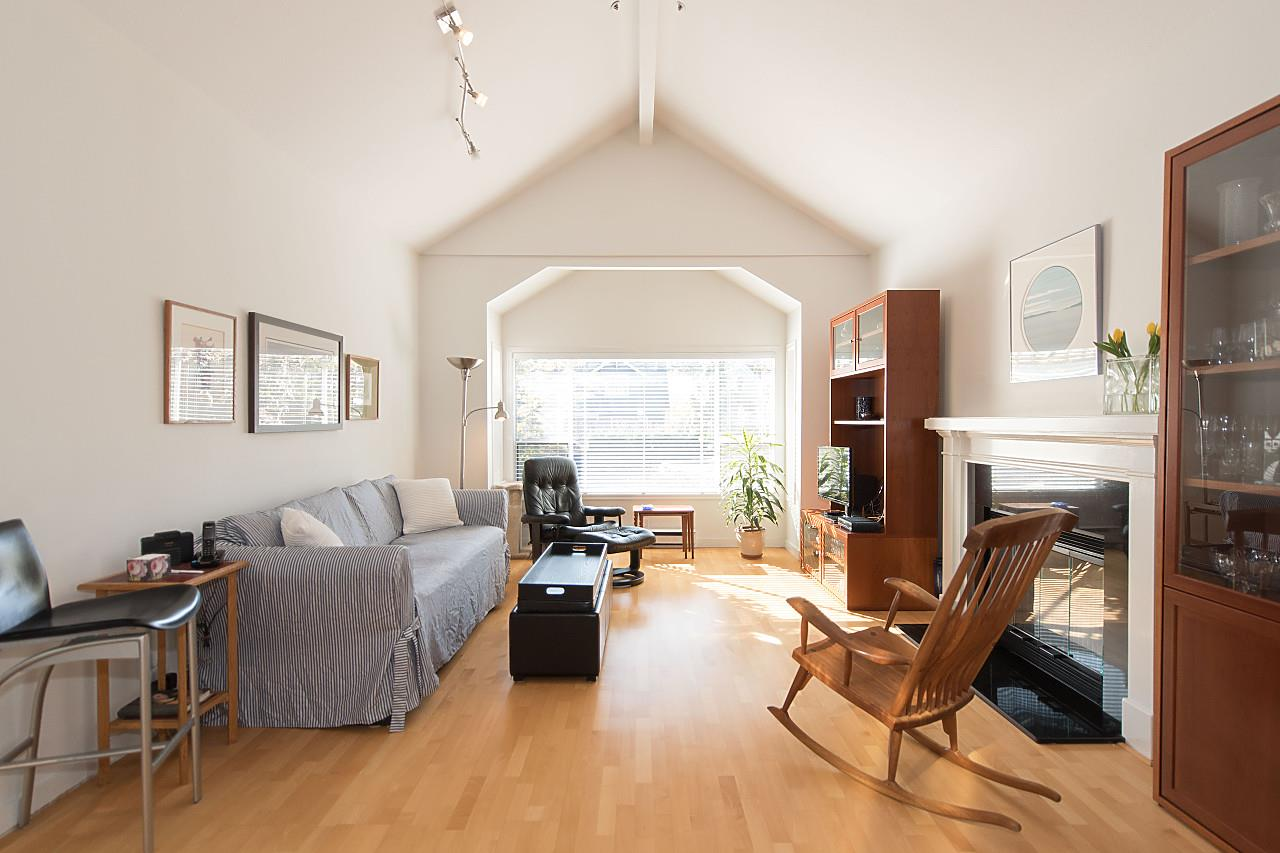 Main Photo: 1849 W 12TH Avenue in Vancouver: Kitsilano Townhouse for sale (Vancouver West)  : MLS®# R2236443
