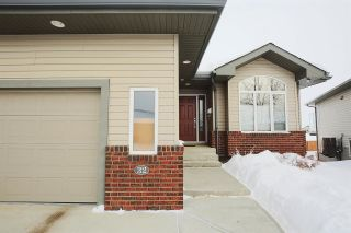 Main Photo: 32 18 Charlton Way: Sherwood Park House Half Duplex for sale : MLS® # E4095769