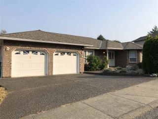 Main Photo: 8738 SUNRISE Drive in Chilliwack: Chilliwack Mountain House for sale : MLS®# R2296340