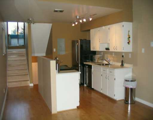 "Photo 3: 695 MOBERLY RD in Vancouver: False Creek Townhouse for sale in ""Creek Village"" (Vancouver West)  : MLS(r) # V575199"