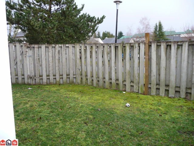 "Photo 10: 80 3030 TRETHEWEY Street in Abbotsford: Abbotsford West Townhouse for sale in ""Clearbrook Village"" : MLS® # F1105942"