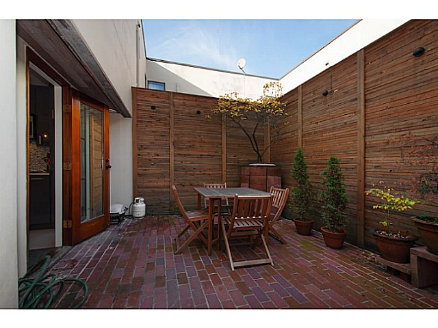 "Photo 12: 3 503 E PENDER Street in Vancouver: Mount Pleasant VE Townhouse for sale in ""Jackson Gardens"" (Vancouver East)  : MLS(r) # V1035790"