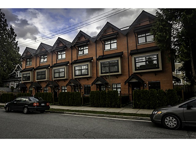 "Main Photo: 956 W 15TH Avenue in Vancouver: Fairview VW Townhouse for sale in ""The Classix"" (Vancouver West)  : MLS® # V1056562"