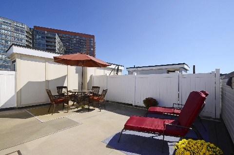 Photo 5: 35 60 Joe Shuster Way in Toronto: South Parkdale Condo for sale (Toronto W01)  : MLS(r) # W3024534