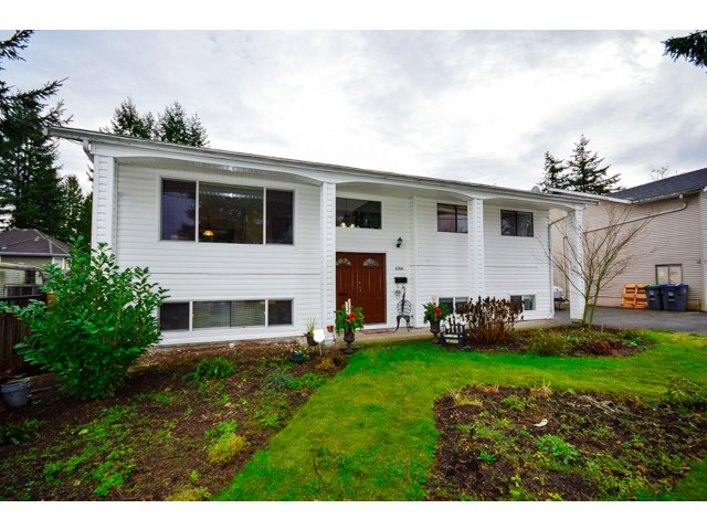 "Main Photo: 6166 133RD Street in Surrey: Panorama Ridge House for sale in ""PANORAMA"" : MLS® # F1428213"