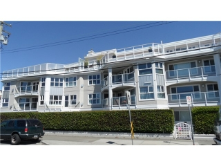 "Main Photo: 202 15367 BUENA VISTA Avenue: White Rock Condo for sale in ""THE PALMS"" (South Surrey White Rock)  : MLS(r) # F1445405"