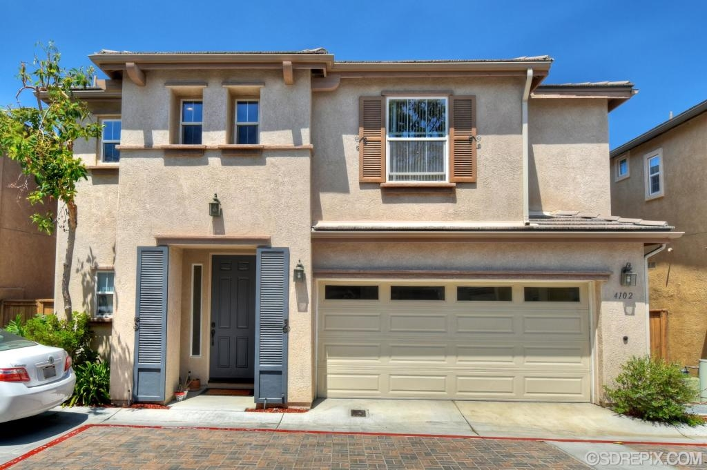 Photo 1: NATIONAL CITY House for sale : 3 bedrooms : 4102 Arroyo Way