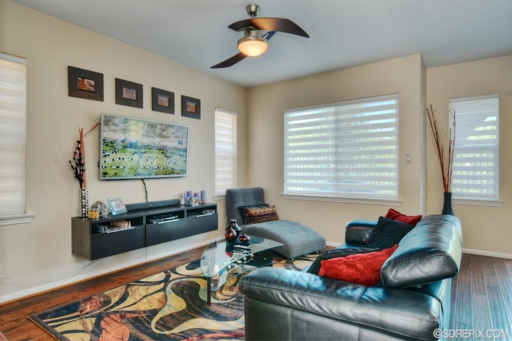 Photo 3: NATIONAL CITY House for sale : 3 bedrooms : 4102 Arroyo Way