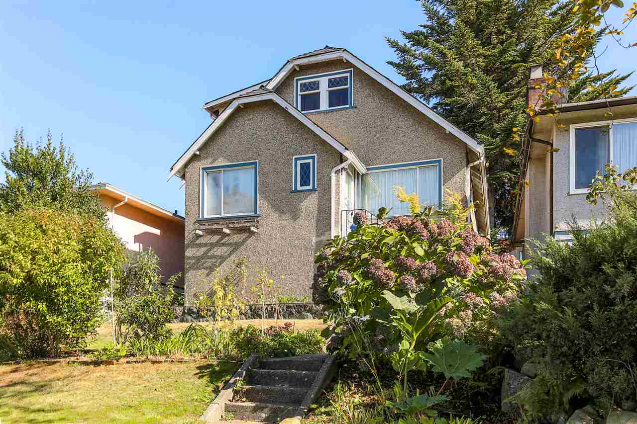 Main Photo: 4420 NANAIMO Street in Vancouver: Collingwood VE House for sale (Vancouver East)  : MLS® # R2006921