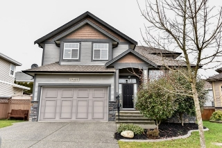 Main Photo: 19685 71A Avenue in Langley: Willoughby Heights House for sale : MLS® # R2029897