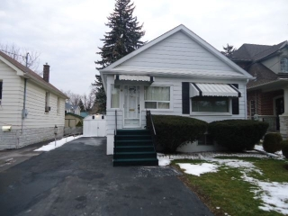Main Photo: 48 Hall Street in Richmond Hill: Mill Pond House (Bungalow) for sale : MLS® # N3432424