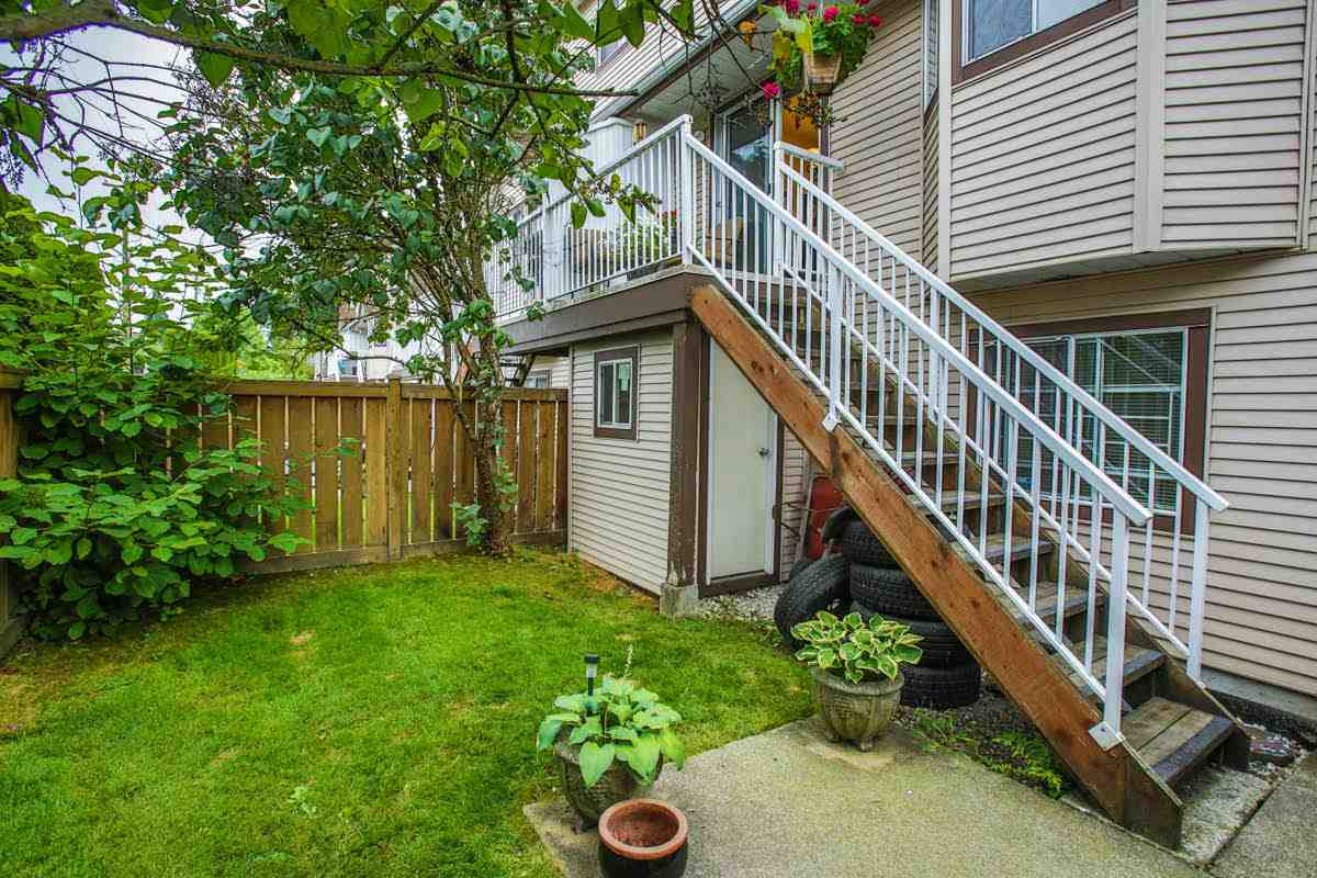 "Photo 6: 28 2352 PITT RIVER Road in Port Coquitlam: Mary Hill Townhouse for sale in ""SHAUGHNESSY ESTATES"" : MLS(r) # R2098696"