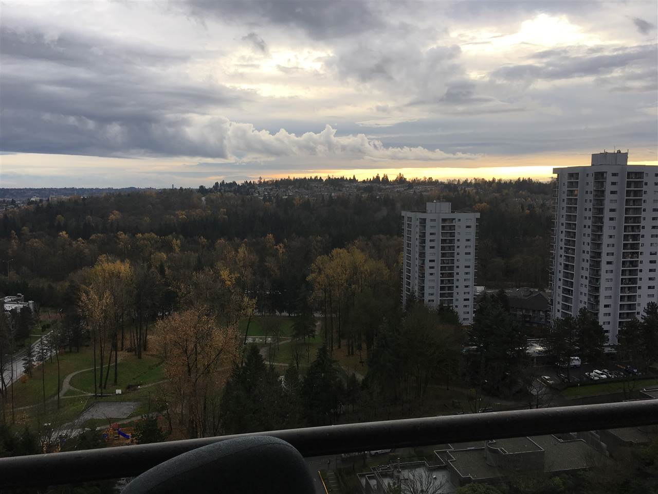 "Photo 7: 1903 3970 CARRIGAN Court in Burnaby: Government Road Condo for sale in ""THE HARRINGTON"" (Burnaby North)  : MLS® # R2125001"