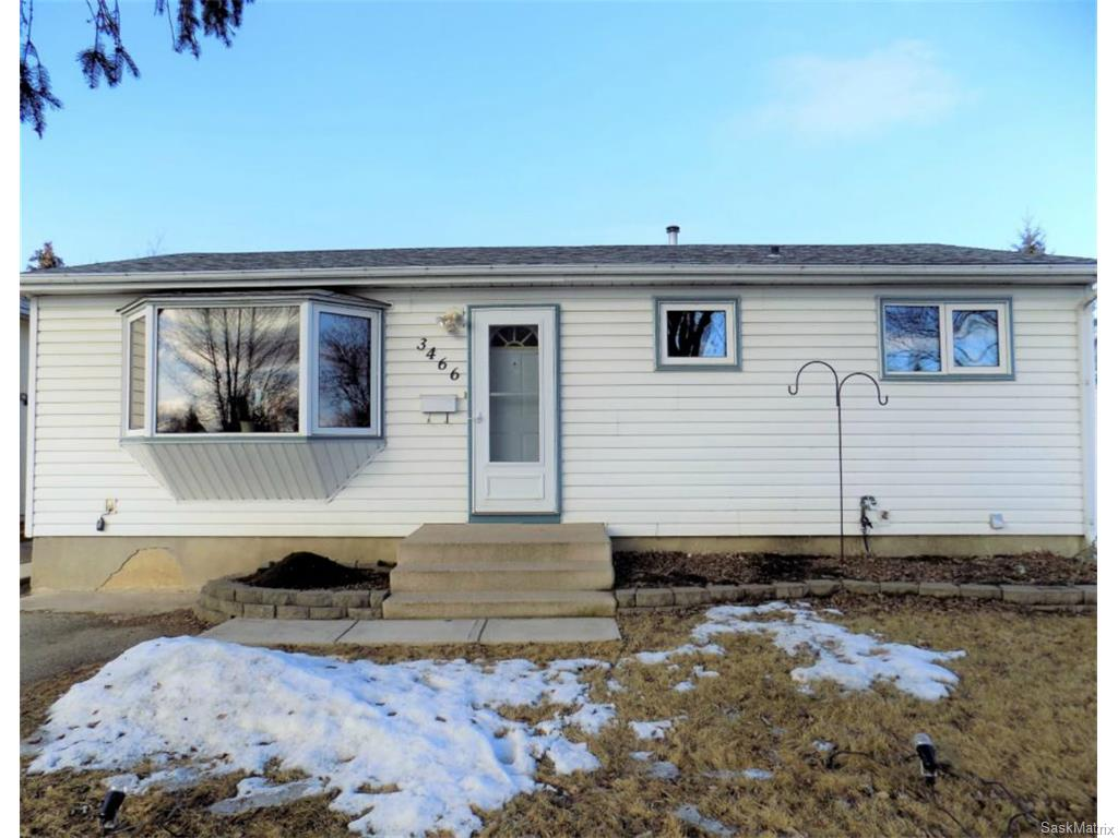 Main Photo: 3466 John A MacDonald Road in Saskatoon: Confederation Park Single Family Dwelling for sale (Saskatoon Area 05)  : MLS(r) # 599239
