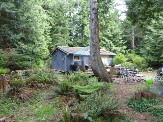 Main Photo: 8048 WILDWOOD Road in Halfmoon Bay: Halfmn Bay Secret Cv Redroofs House for sale (Sunshine Coast)  : MLS®# R2167940