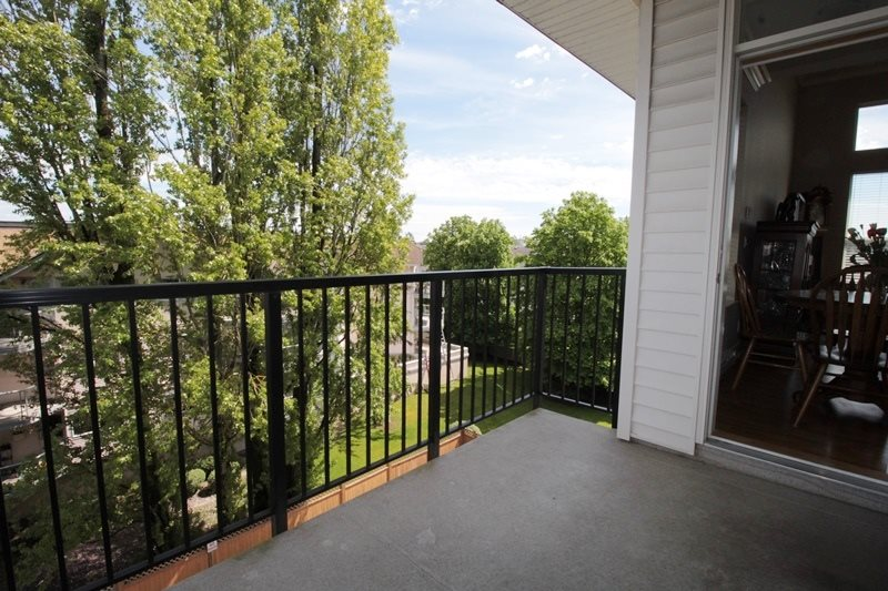 "Photo 8: 403 5430 201 Street in Langley: Langley City Condo for sale in ""Sonnet"" : MLS(r) # R2168694"