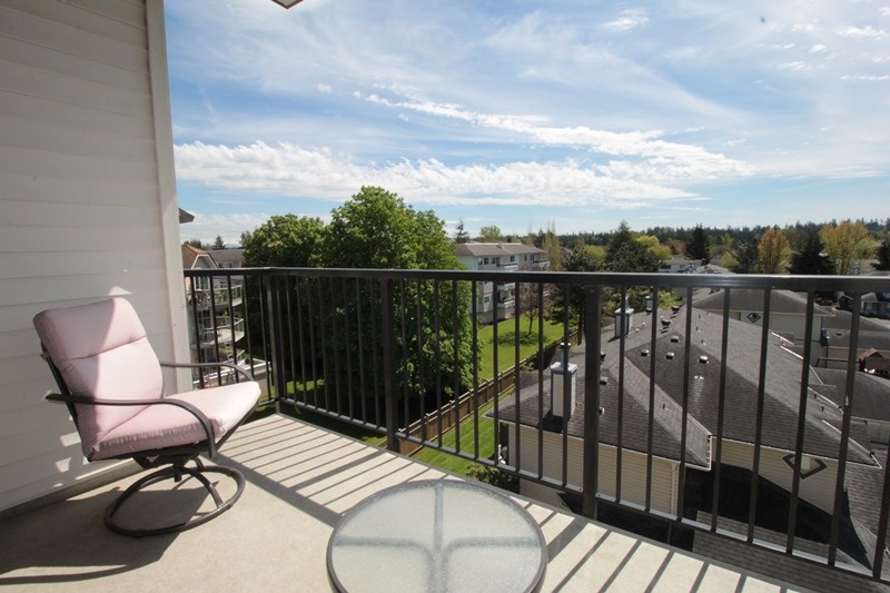 "Photo 4: 403 5430 201 Street in Langley: Langley City Condo for sale in ""Sonnet"" : MLS(r) # R2168694"