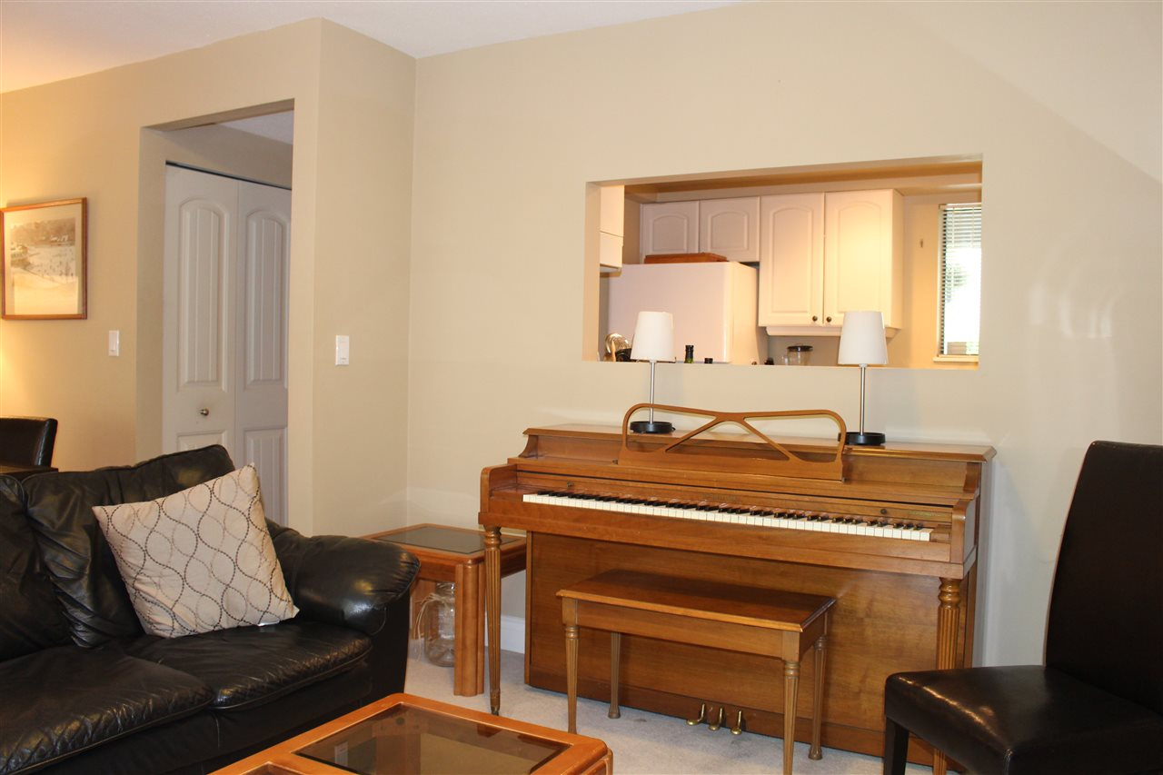 "Photo 10: 839 ALEXANDER Bay in Port Moody: North Shore Pt Moody Townhouse for sale in ""WOODSIDE VILLAGE"" : MLS® # R2172348"