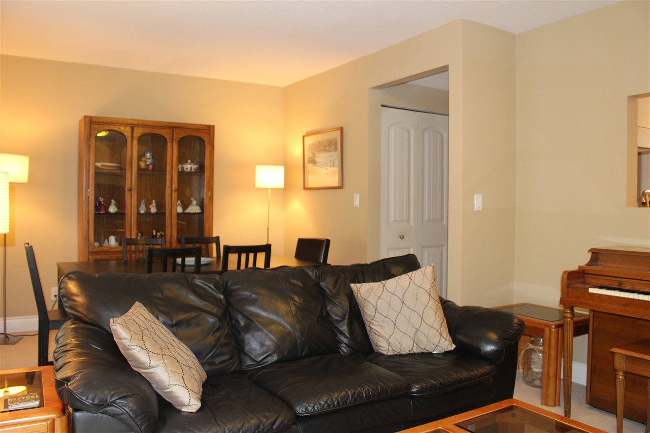 "Photo 11: 839 ALEXANDER Bay in Port Moody: North Shore Pt Moody Townhouse for sale in ""WOODSIDE VILLAGE"" : MLS® # R2172348"