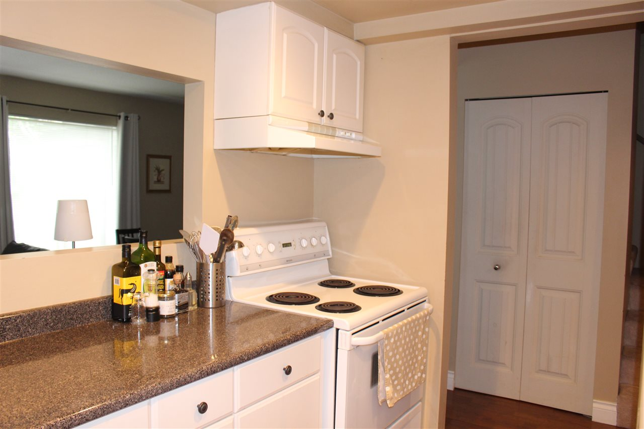 "Photo 6: 839 ALEXANDER Bay in Port Moody: North Shore Pt Moody Townhouse for sale in ""WOODSIDE VILLAGE"" : MLS® # R2172348"