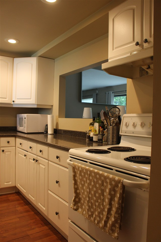 "Photo 4: 839 ALEXANDER Bay in Port Moody: North Shore Pt Moody Townhouse for sale in ""WOODSIDE VILLAGE"" : MLS® # R2172348"