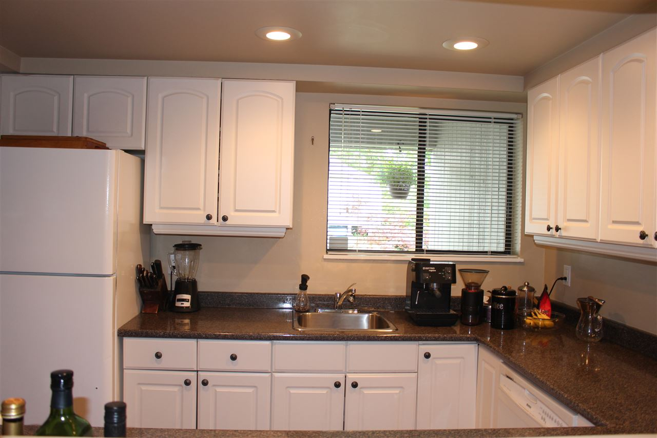 "Photo 5: 839 ALEXANDER Bay in Port Moody: North Shore Pt Moody Townhouse for sale in ""WOODSIDE VILLAGE"" : MLS® # R2172348"
