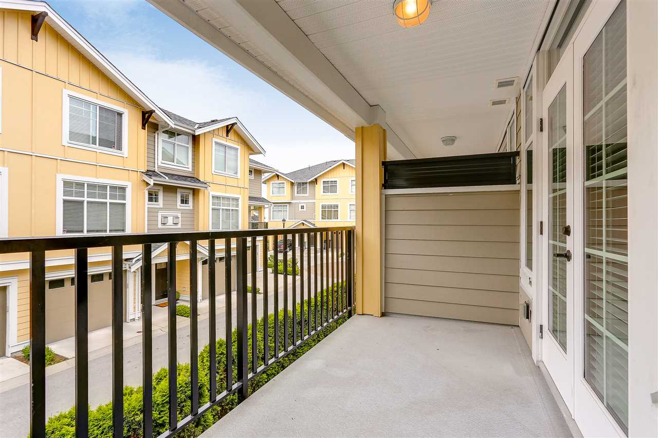 "Photo 5: 18 17171 2B Avenue in Surrey: Pacific Douglas Townhouse for sale in ""AUGUSTA"" (South Surrey White Rock)  : MLS(r) # R2178254"