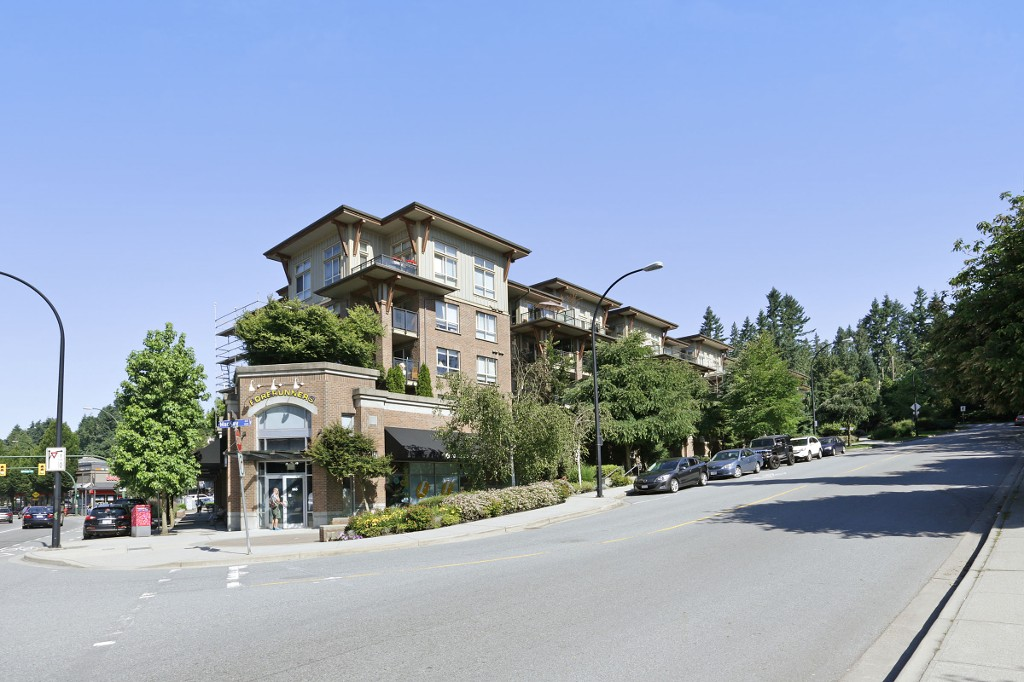 FEATURED LISTING: 420 - 1633 MACKAY Avenue North Vancouver