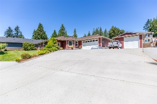 Main Photo: 5573 NICKERSON Road in Sechelt: Sechelt District House for sale (Sunshine Coast)  : MLS®# R2191954