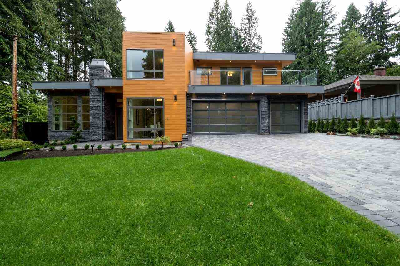 Main Photo: 693 E OSBORNE Road in North Vancouver: Princess Park House for sale : MLS® # R2196933