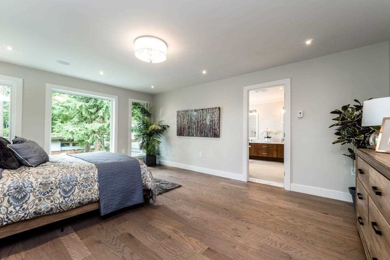 Photo 14: Photos: 693 E OSBORNE Road in North Vancouver: Princess Park House for sale : MLS® # R2196933