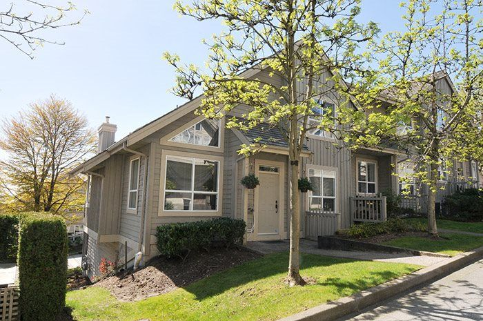 "Main Photo: 310 1465 PARKWAY Boulevard in Coquitlam: Westwood Plateau Townhouse for sale in ""SILVER OAK"" : MLS®# R2260594"
