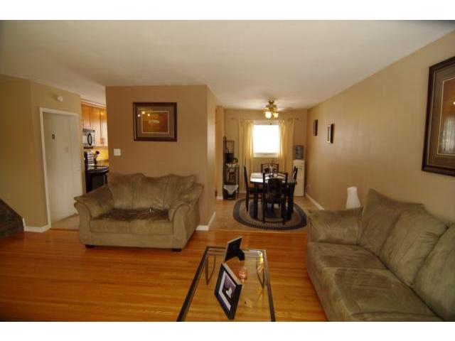 Photo 2: 38 Gatineau Bay in WINNIPEG: Windsor Park / Southdale / Island Lakes Residential for sale (South East Winnipeg)  : MLS(r) # 1107752