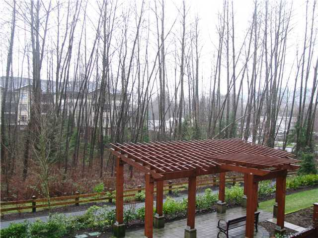 Photo 10: 206 101 MORRISSEY Road in Port Moody: Port Moody Centre Condo for sale : MLS(r) # V964846