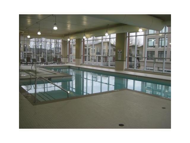 Photo 6: 206 101 MORRISSEY Road in Port Moody: Port Moody Centre Condo for sale : MLS(r) # V964846