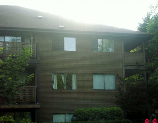 Main Photo: 303 10662 N 151A Street in Surrey: Guildford Condo for sale : MLS® # F2927360