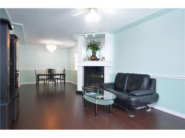 Photo 6: 1020 E 10TH AV in Vancouver: Mount Pleasant VE House 1/2 Duplex for sale (Vancouver East)  : MLS(r) # V1031216