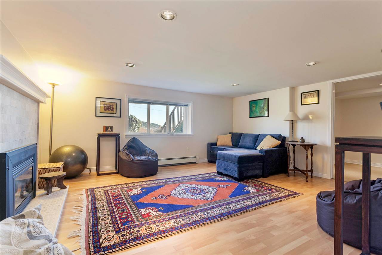 Photo 14: 11 SEA Avenue in Burnaby: Capitol Hill BN House for sale (Burnaby North)  : MLS® # R2014601