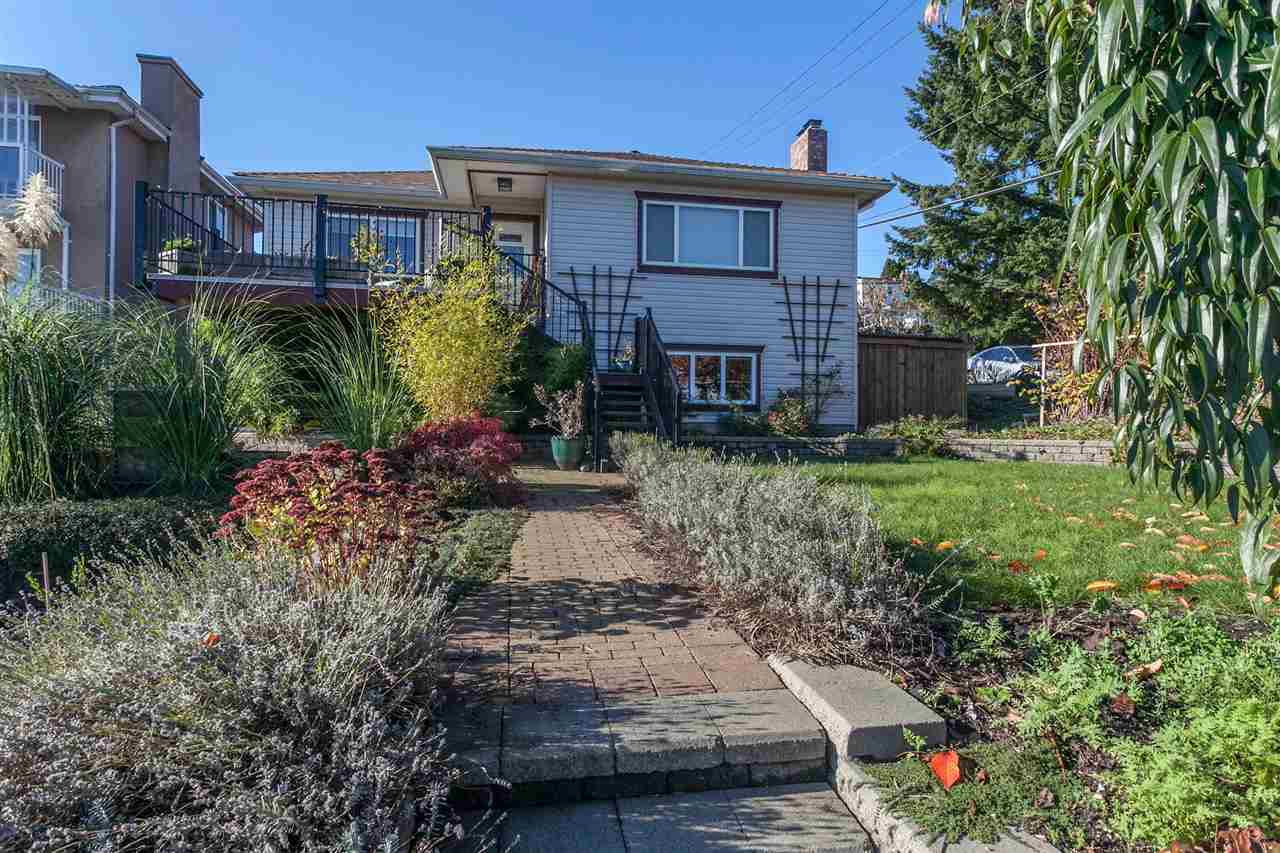 Main Photo: 11 SEA Avenue in Burnaby: Capitol Hill BN House for sale (Burnaby North)  : MLS(r) # R2014601