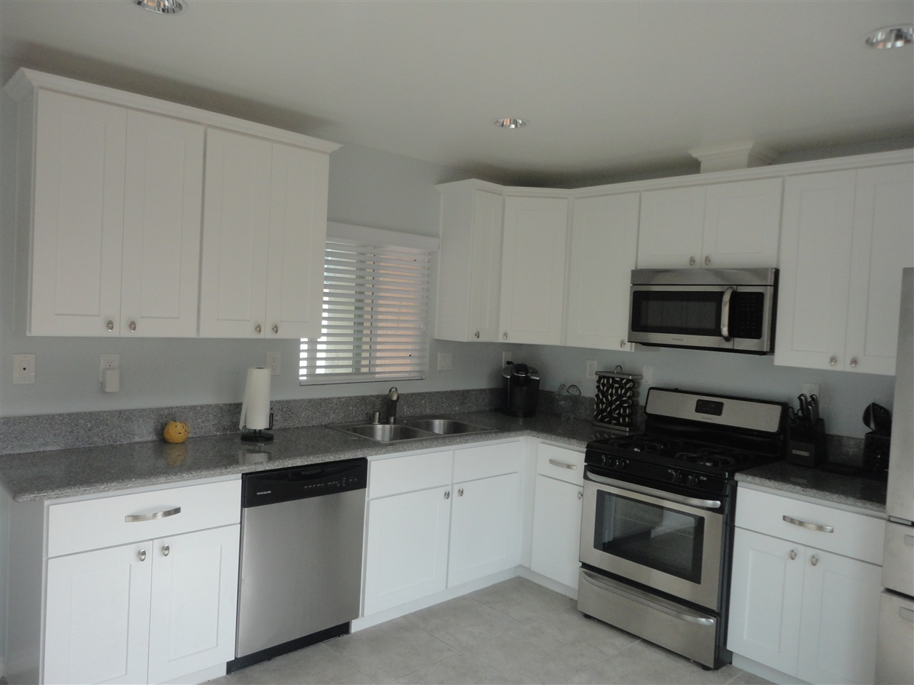 Photo 3: SAN DIEGO House for sale : 4 bedrooms : 3044 GREYLING DR