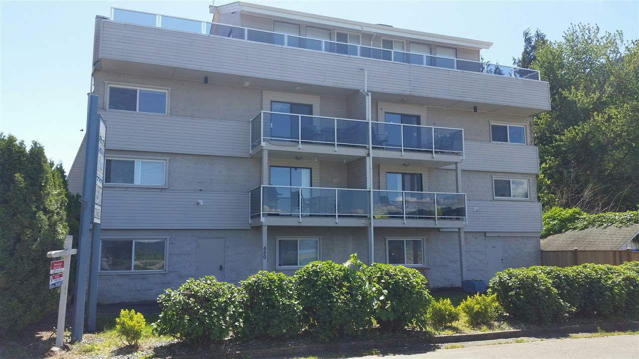 Main Photo: 9 450 ESPLANADE Avenue: Harrison Hot Springs Condo for sale : MLS®# R2068818